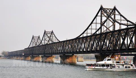 中朝新鸭绿江大桥 开通日 落空 被无限期推迟图片