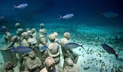 上校亨利在百慕大叁角区水下360米处发现的金字塔
